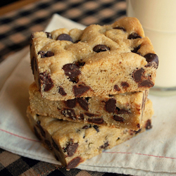 Chocolate Chip Cookie Bars – a classic cookie bar loaded with ...