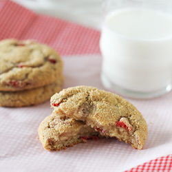 Strawberry-Cheesecake-Cookies-recipe-taste-and-tell-2 square ts