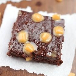 fudgy-salted-caramel-brownies_a